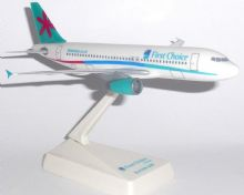 Airbus A320 First Choice Airways Collectors Snap Fit Desktop Collectors Model Scale 1:200 e